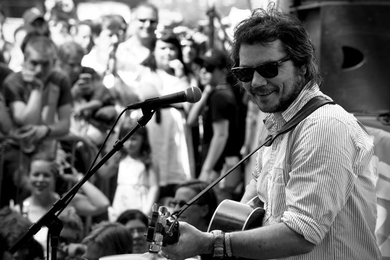 """Summer noon - Jeff Tweedy en """"raulense.wordpress.com"""""""